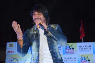 Electrifying Performance by Ashok Mastie at 3rd Global Festival of Journalism