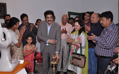 Sandeep Marwah Inaugurated Sculpture Exhibition at Triveni