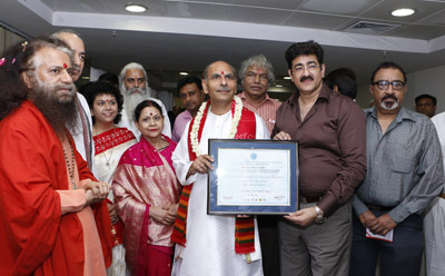 Sandeep Marwah Honored Sudhanshu Ji Maharaj