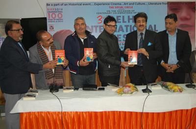 Book of Yaseer Usmaan on Rajesh Khanna Released by Sandeep Marwah
