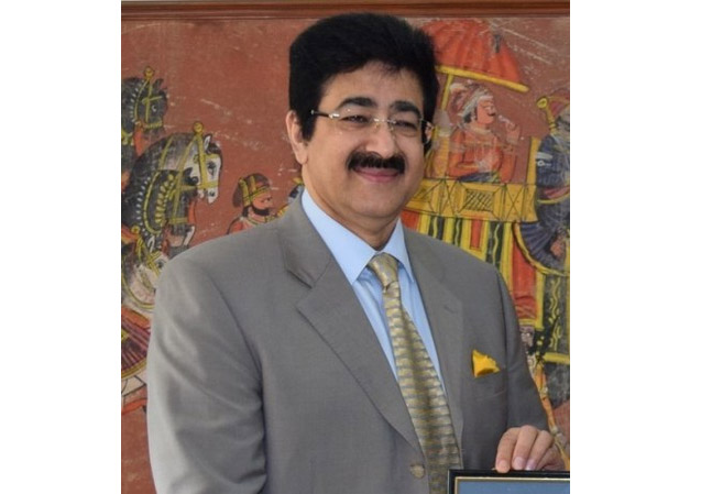 Sandeep Marwah Honored at Cultural Evening