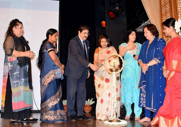 Sandeep Marwah Inaugurating An Award Function at New Delhi