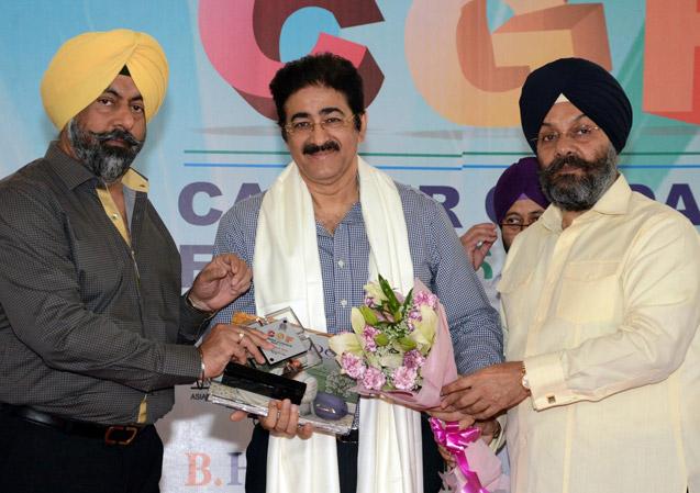 Sandeep Marwah Honored by DSGMC