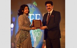 Sandeep Marwah Honored With Icon of The Decade Award by WEF