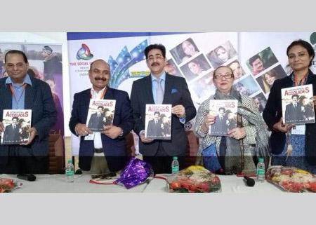 A book on Sandeep Marwah Released at Delhi International Film Festival