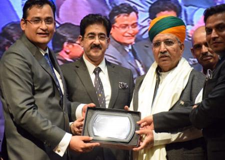 Sandeep Marwah Honored Arjun Ram Meghwal at NAI Awards