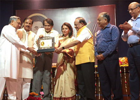 Sandeep Marwah Special Guest at Pandit Hari Sharma Award Function