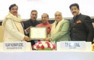 T.P.Agarwal Honored With Hindi Cinema Samman