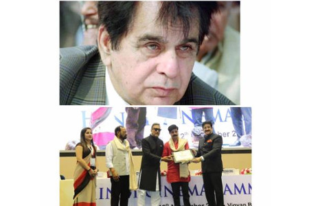 Hindi Cinema Mahanayak Award to Dilip Kumar
