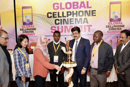Sandeep Marwah Honored And Titled Father of Cellphone Cinema
