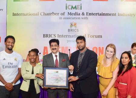 Sandeep Marwah Honored by Delegation of South Africa