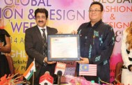 Dato Hidayat Abdul Hamid Presented With Patronship of IMFCF