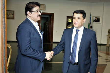 Sandeep Marwah Special Guest at Festival of Films From Uzbekistan