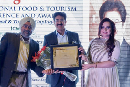 Sandeep Marwah Honored For Promotion of Tourism