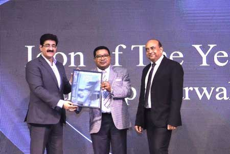 Sandeep Marwah Honored With Delhiites Icon of The Year Award