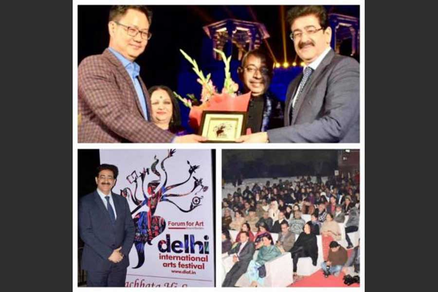 Sandeep Marwah Honored By Home Minister For Uniting India