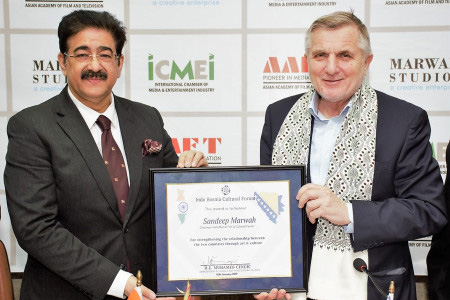 Sandeep Marwah Honored by Bosnia Government