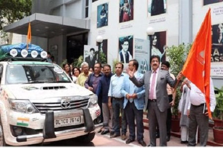 Flag Off Ceremony At Marwah Studios -The Peace Drive By Turban Traveller