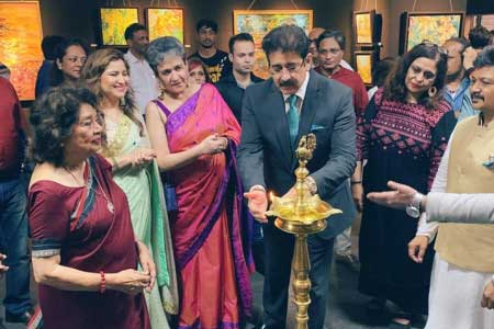 Painting Exhibition of Nandita Richie Inaugurated by Sandeep Marwah