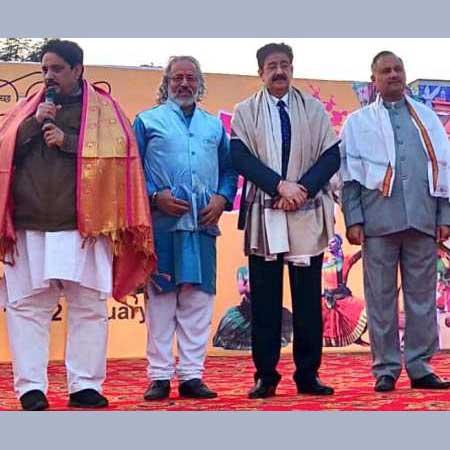 Sandeep Marwah Inaugurated Poush Mela at Indirapuram