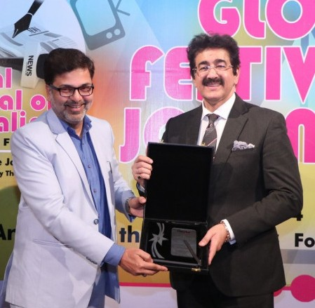 Sandeep Marwah Honored For Contribution to Journalism