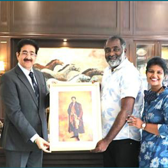 Sandeep Marwah Presented with Painting by Shreethar