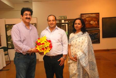 Sandeep Marwah Inaugurated Exhibition of Sabya Sachi