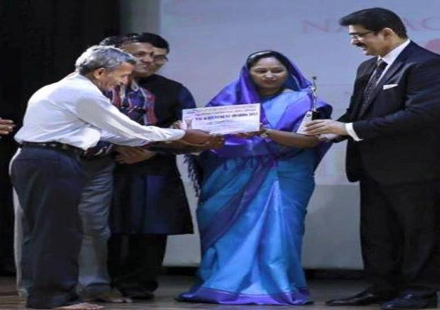 Sandeep Marwah Presenting NAI Awards