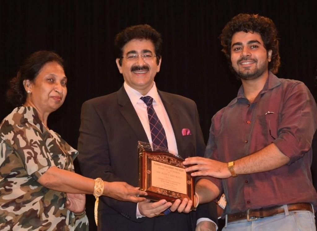 Sandeep Marwah Honored With Josh E Junoon Award