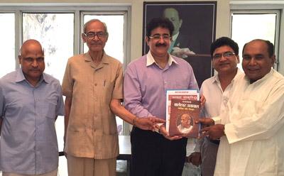 Sandeep Marwah Was Welcomed At Pravasi Bhawan