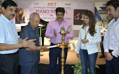 Electrifying Performance By Gurbani Bhatia at AAFT