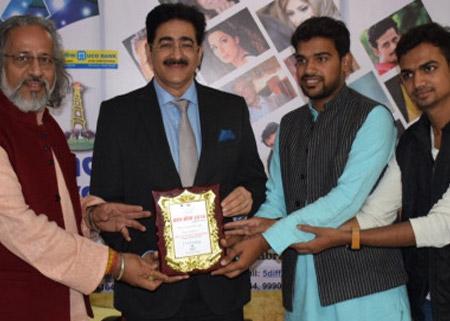 Sandeep Marwah Honored by Children's Organization