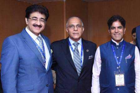 Sandeep Marwah Congratulated Rajeev Talwar of PHD